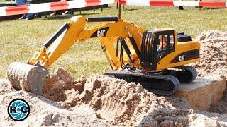 getlinkyoutube.com-Bruder RC excavators remodeling CAT Excavator