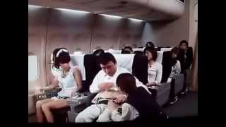 getlinkyoutube.com-Ternyata Orang Jepang Kampungan Saat Pertama Kali Naik Pesawat Lucu Banget