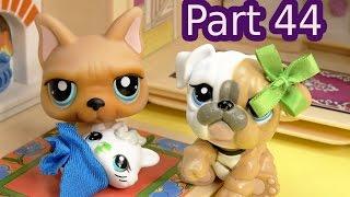 getlinkyoutube.com-LPS Sick Baby Kitten - Mommies Part 44 Littlest Pet Shop Series Video Movie LPS Mom Babies