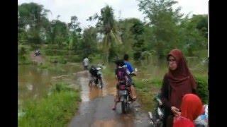 WADUK JATIGEDE 16 DESEMBER 2015 air mulai masuk desa cipaku dan makam
