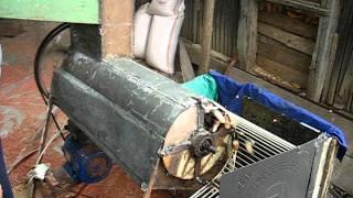 getlinkyoutube.com-Masina de batut porumb cu motor 220V, 1.8KW