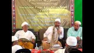 """Bedah Buku: """"Dialog Sunni vs Wahhabi"""" di Paiton"""