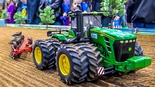 RC tractors in ACTION on a mobile display by Hof-Mohr! Siku Control fun!