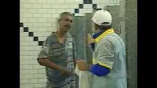 getlinkyoutube.com-Just for laugh, brazilian prank - undesirable bath