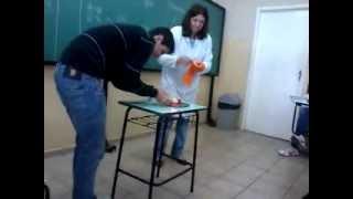 getlinkyoutube.com-Experiência (#fail) na aula de Química