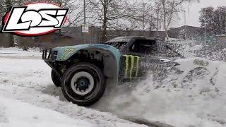 getlinkyoutube.com-Losi 5ive-t snow drifting !
