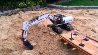 getlinkyoutube.com-Bridge Construction Site Part 2 RC Construction Machines (Excavator / Dump Truck etc)