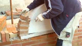 Construcción arco de medio punto con ladrillo de obra vista puesto a sardinel video nº 68