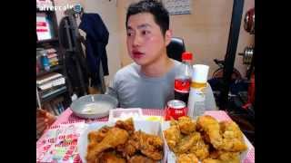 getlinkyoutube.com-호식이 두마리 치킨 Fried Chicken + Soy Sauce Chicken