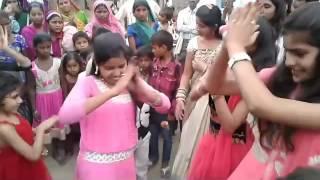 getlinkyoutube.com-Hot Girls Dance with Marriage I Haryanvi Wedding Dance | New Haryanvi Song