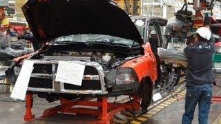 getlinkyoutube.com-Chrysler Saltillo - Visitamos las plantas de ensamble en MotorBlogMX