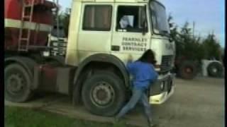 getlinkyoutube.com-Lady truck driver 1