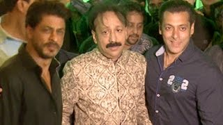 getlinkyoutube.com-Shahrukh And Salman At Baba Siddiqui IFTAR Parties