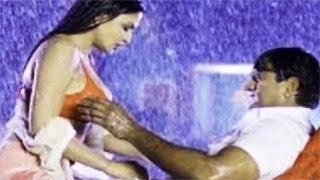 Actor GRABS Veena Malik's B00BS - HOT DIRTY Uncensored SCENE in Nagna Satyam