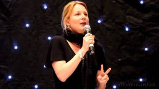 getlinkyoutube.com-Laurel Holloman - L8 (Closing Ceremony)