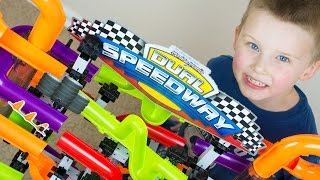 getlinkyoutube.com-Marble Race Toy Unboxing Marble Mania Dual Speedway Kinder Playtime