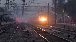 getlinkyoutube.com-IRFCA - Patna Rajdhani Vs Sampoorna Kranti SF .....The Rivalry Of Two 130KMPH Trains