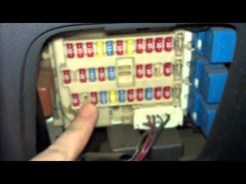 Замена предохранителя прикуривателя на Nissan Primera: Ниссан Примера
