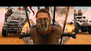 getlinkyoutube.com-Mad Max Fury Road First Chase Scene