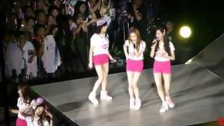 "getlinkyoutube.com-[FANCAM] 130720 SNSD少女時代 - Twinkle + Ending Talk @ 2013 World Tour ""Girls & Peace"" Concert in Taipei"