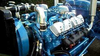 getlinkyoutube.com-Fordson Power Major Perkins 510 V8 Test run