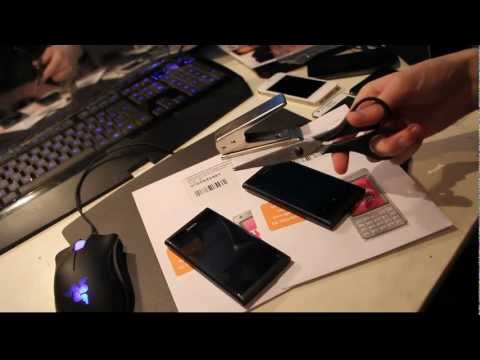 Nokia Lumia 800 &amp; Nokia N9 Hands-On Setup &amp; Install Micro SIM Cards! (HD) Part 1