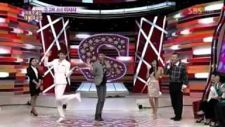 getlinkyoutube.com-2pm nichkhun and minho cute dancing