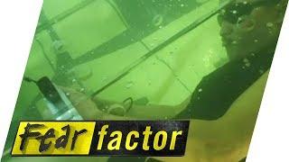 getlinkyoutube.com-Underwater Coffin | Fear Factor Extra
