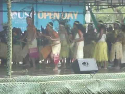 University of the South Pacific, Open day 10/Aug/2012. Performance by Solomon 南太平洋大学