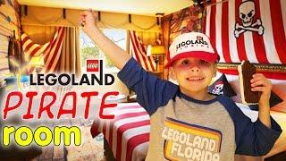 getlinkyoutube.com-LEGOLAND Pirate Suite Room Tour