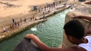 getlinkyoutube.com-Sauts et plongeons des remparts d'El Jadida