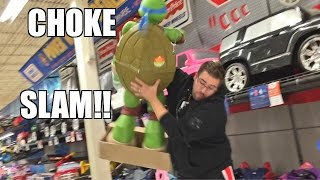 getlinkyoutube.com-WRESTLING TURTLE TOYSRUS TOY RUN .... WITH THE RUNS