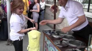 getlinkyoutube.com-Funny Istanbul Ice Cream Man
