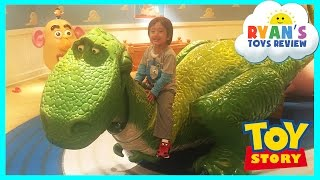 getlinkyoutube.com-GIANT DISNEY TOY STORY Kids Playroom Mr Potato Head Family Fun Children PlayCenter Ryan ToysReview