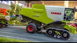 getlinkyoutube.com-RC combine harvester CLAAS LEXION! Dream model by Farmworld Fehmarn!