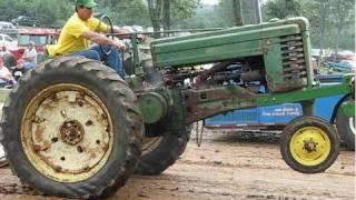 getlinkyoutube.com-John Deere 2 Cylinder Tractor Pull Overload