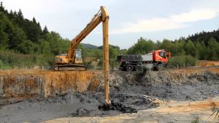 getlinkyoutube.com-Komatsu PC240LC-8 Long Reach digging graphite mud