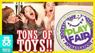 getlinkyoutube.com-GIANT SURPRISE MYSTERY BOX!  FILLED WITH TOYS!! FROM PLAY FAIR! |  KITTIESMAMA