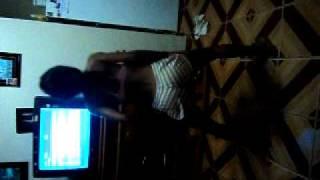 getlinkyoutube.com-Biia dançando - É o treinamento do bumbum (8)
