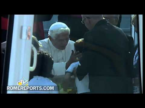 Pope arrives in Milan for World Meeting of Families