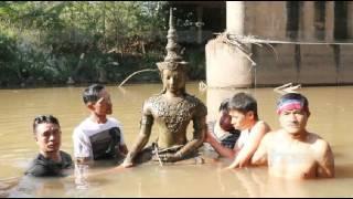 getlinkyoutube.com-เณรฝันเห็นพุทธรูป ชวนชาวบ้านไปงม-เจอพระโบราณอายุนับ100ปี