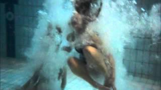 getlinkyoutube.com-How I broke my Foot in a Swimming Pool :(