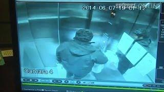 getlinkyoutube.com-Fahrstuhl rast in Hausdach: 15 Sekunden Höllentrip