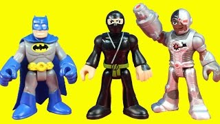 Imaginext Scarecrow Gets Ninjas With Neurotoxin Justice League Batman Superman Team Save The Day