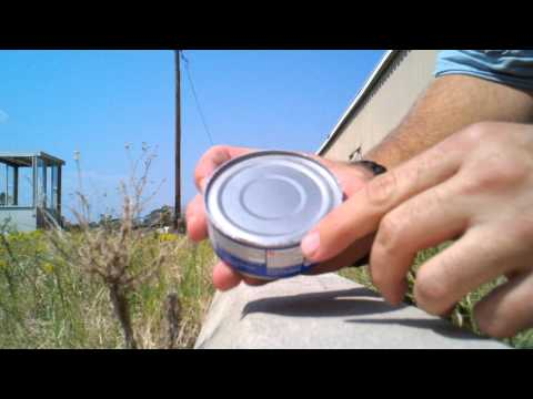 How to open a can without a can opener