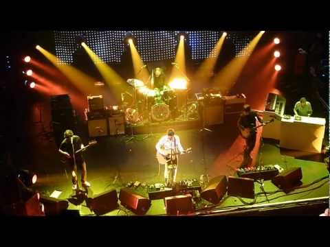 Noel Gallagher : Olympia Dublin Oct 23 2011 : 'If I Had A Gun'