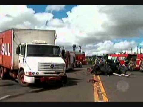 MS Record - Identificadas vítimas de acidente entre carro e caminhão na BR-163