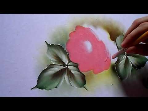 Fábio Souza Nascimento pintando