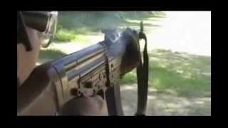 getlinkyoutube.com-As Armas de fogo da Segunda Guerra Mundial