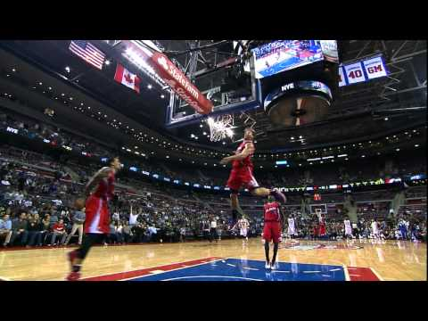 Blake Griffin's Earth-Shattering Oop Off the Glass